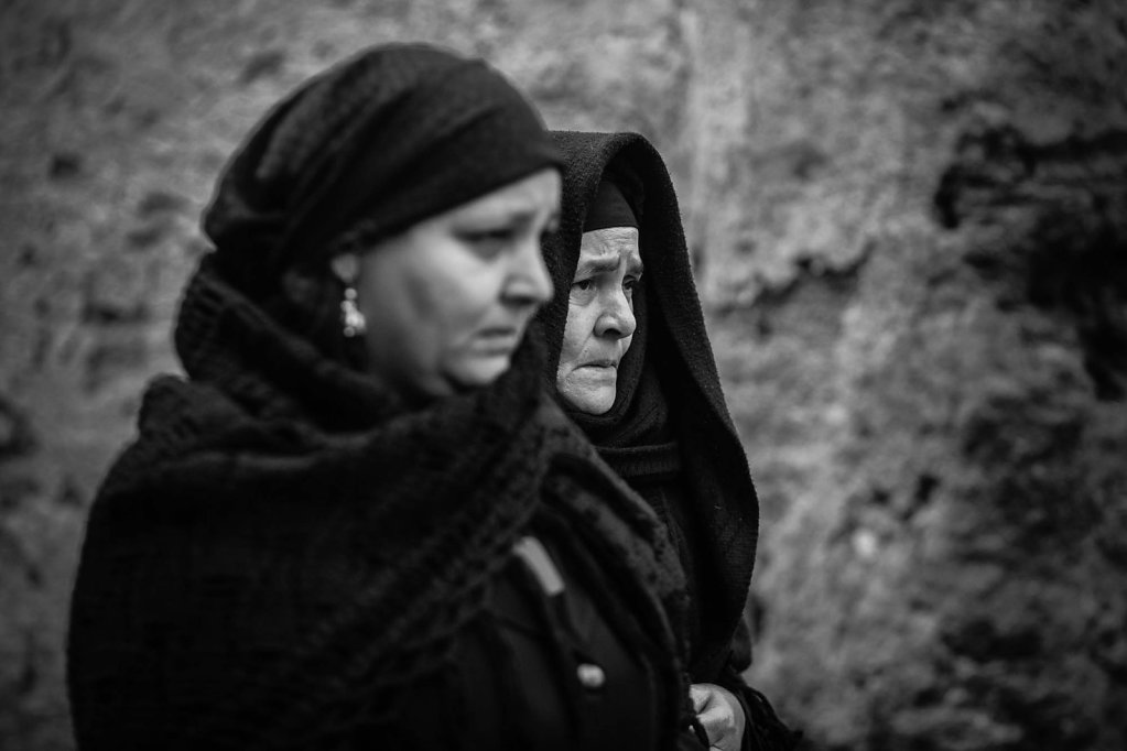 Mourning over Coptic Egyptians killed in Libya by Daash